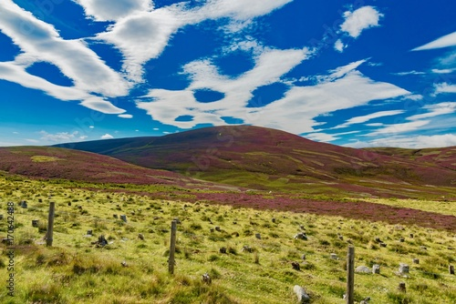 Foto op Aluminium India scenery of the gulf of Skye island in Scotland England with clouds and Atlantic ocean
