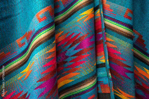 Photo colorful textile closeup in Otavalo artisan market Ecuador