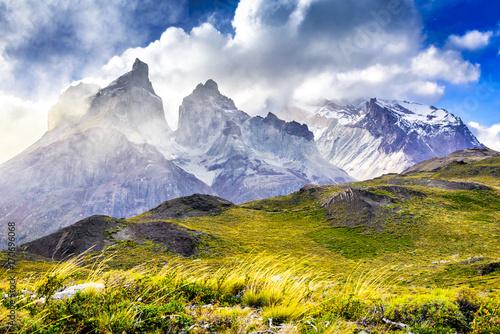 widok-na-szczyt-torres-del-paine-patagonia-chile