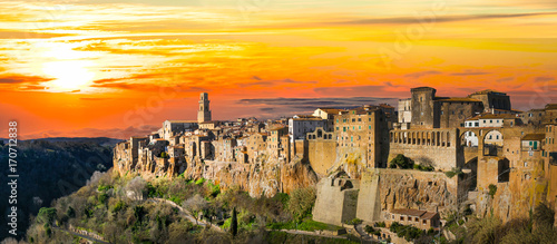 Poster Toscane Medieval Pitigliano town over tuff rocks in province of Grosseto, Tuscany, Italy
