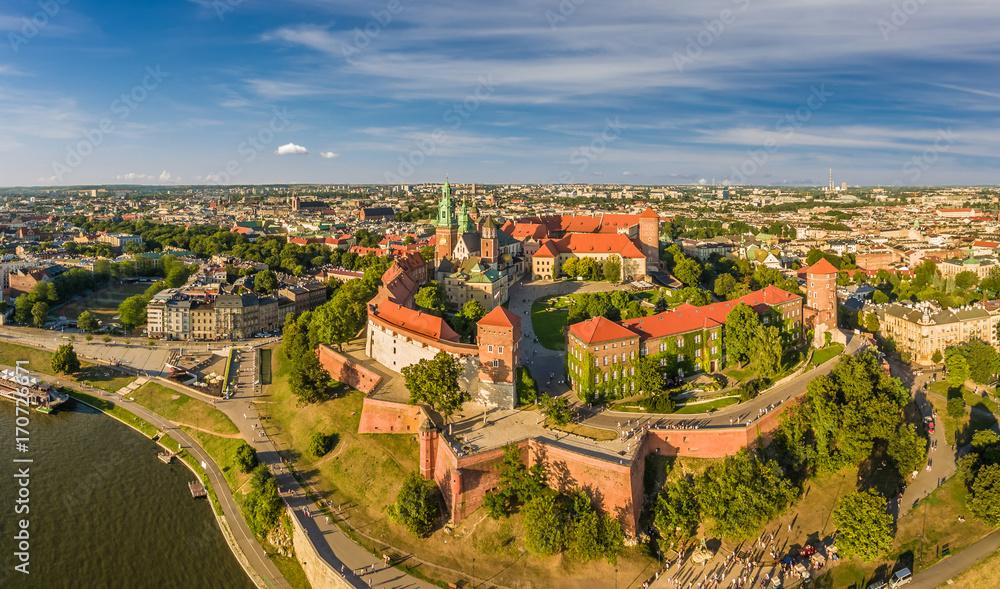 Fototapety, obrazy: Kraków z lotu ptaka - krajobraz miasta z zamkiem i Katedrą na Wawelu