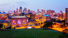 Kansas City, Missouri Skyline ...