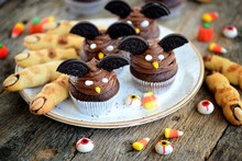 "Chocolate Cupcakes ""bats"" And ..."
