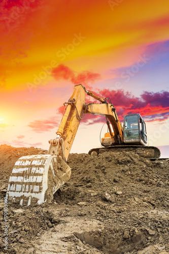 Fotografía  excavator in construction site