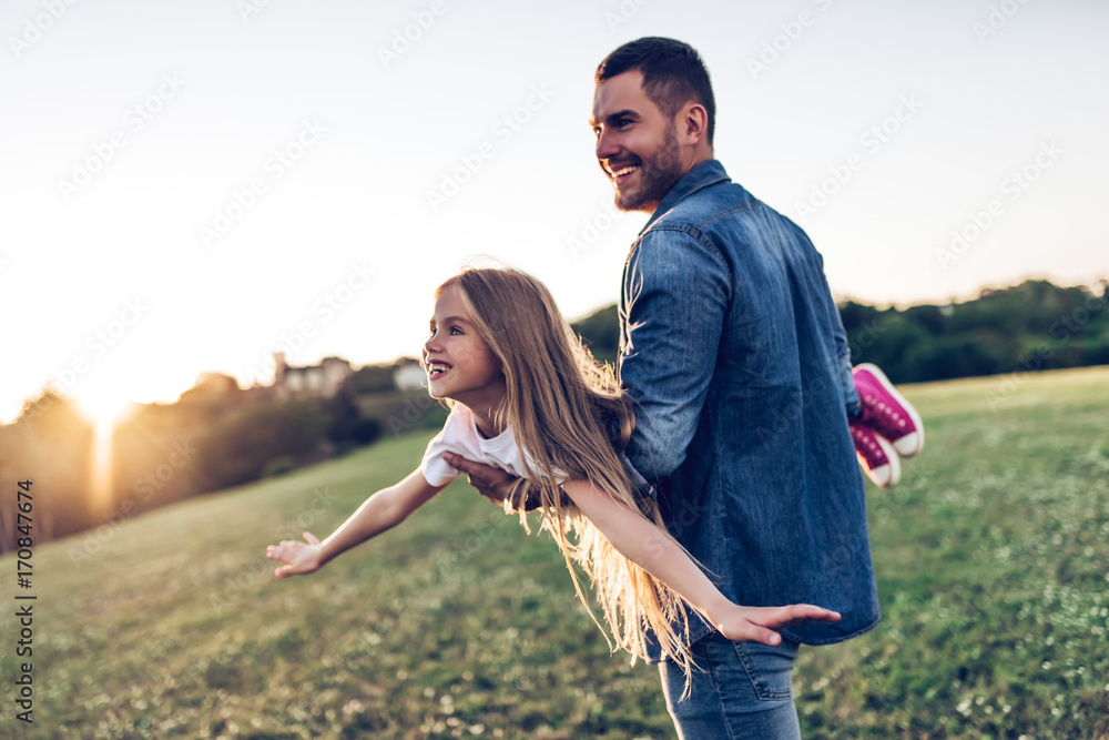Fototapety, obrazy: Father with daughter