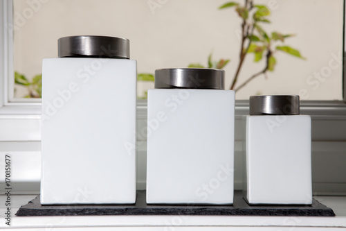 Modern white ceramic food storage containers with label space. Tapéta, Fotótapéta
