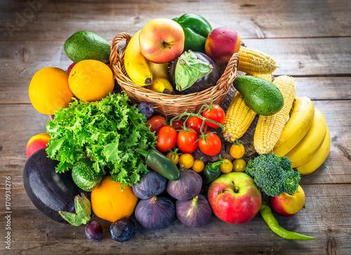 Keuken foto achterwand Vruchten Fresh fruits and vegetables