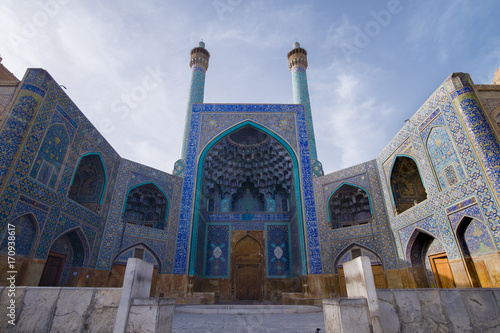 Photo art of Masjed-e Imam or Masjed-e sha at Nash-e Jahan square, miranate column 40