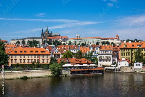 Plakat Widok na Vltava rzece i St.Vitus katedrze w Praga, republika czech