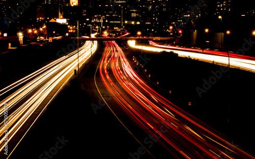 In de dag Nacht snelweg Night scene of the traffics on highway