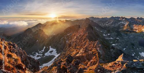 krajobraz-gorski-w-lecie-w