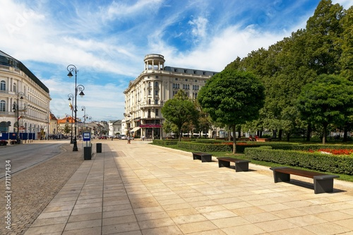 Warsaw, Poland - August 2, 2017: Architecture and people on the street New World in Warsaw. - fototapety na wymiar