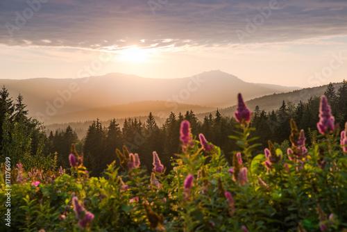Montage in der Fensternische Darknightsky Der Große Arber im Bayerischen Wald bei Sonnenuntergang