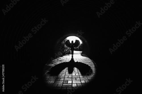 Angel in the tunnel Fototapet