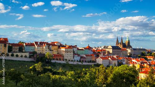 Plakat Praga przy pięknym zmierzchem, republika czech, Europa