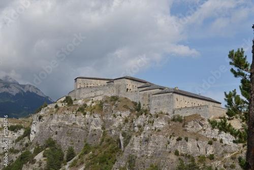 In de dag Vestingwerk Fort Victor Emmanuel formant partie de la barrière de l'Esseillon dans les Alpes. Porte du parc national de la Vanoise