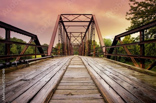 Spoed Foto op Canvas Brug Old Steal Bridge