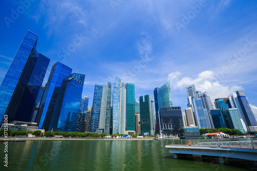 Photo  central business district building of Singapore city with blue sky