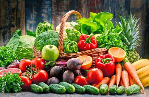 Naklejki owoce  kosz-owocow-i-warzyw