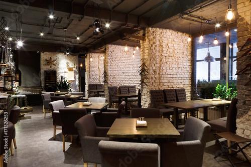 Foto auf Gartenposter Restaurant Interior of cozy restaurant, loft style