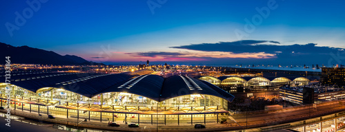 Photo Stands Asian Famous Place Hong Kong international airport at twilight