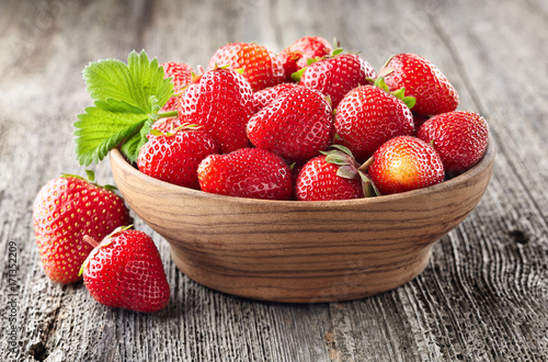 Strawberry on a old wooden background Canvas-taulu