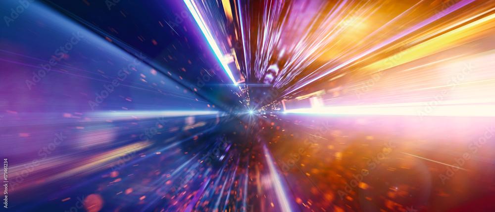 Fototapeta Daten fliegen mit Lichtgeschwindigkeit über die Datenautobahn in einem Glasfaserkabel