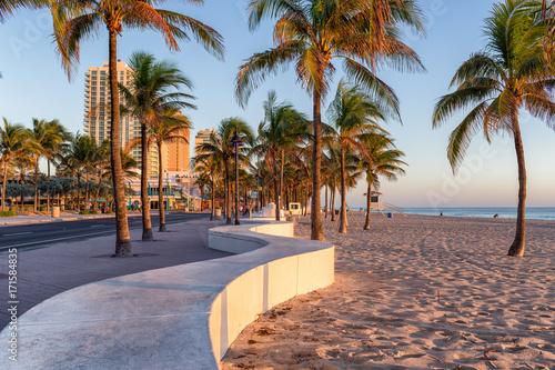 Fotografia, Obraz Sunrise at Fort Lauderdale Beach and promenade, Florida