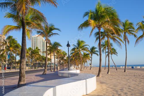 Deurstickers Strand Sunrise at Fort Lauderdale Beach and promenade, Florida