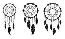 Set Dreamcatchers With Feathers.