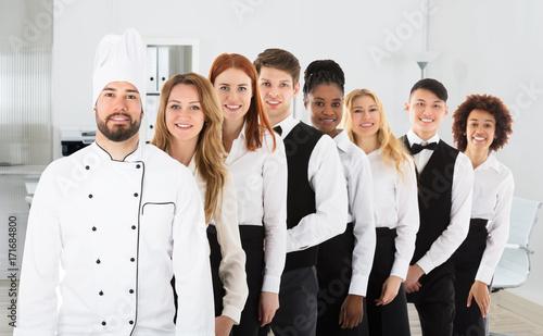 Fotografía  Portrait Of Restaurant Staff