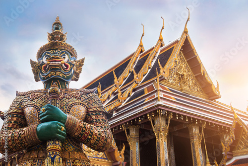 Fotobehang Bedehuis Wat Phra Kaew, Emerald Buddha temple, Wat Phra Kaew is one of Bangkok's most famous tourist sites