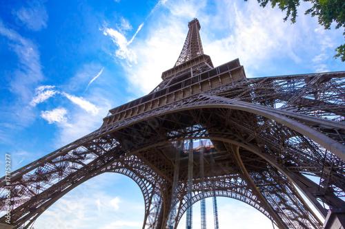 Fototapeta Particular view of Eiffell Tower obraz na płótnie