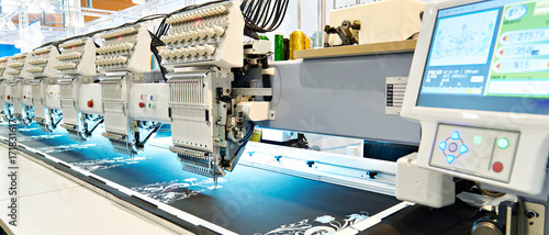 Obraz Embroidery industrial machine - fototapety do salonu