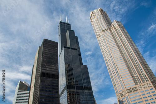 Obraz na dibondzie (fotoboard) Drapacze chmur górują w niebie Chicago, Illinois