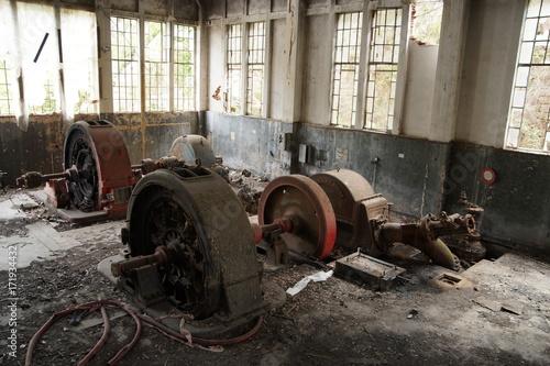 Papiers peints Les vieux bâtiments abandonnés Centrale idroelettrica del Cassibile