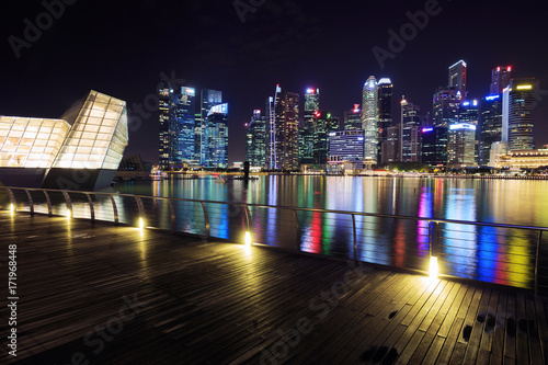 Photo  view of central business district building of Singapore at night