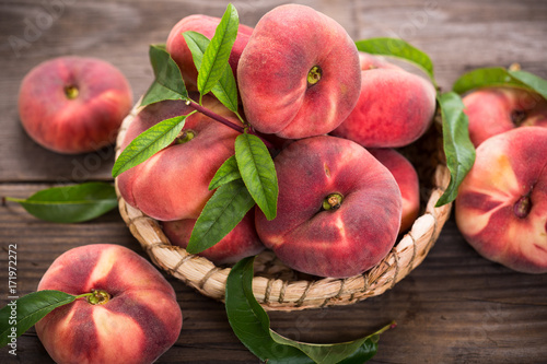 Flat saturn peaches