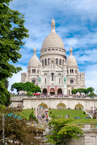 The Basilica of the Sacre Coeur in Montmartre, Paris Wall mural