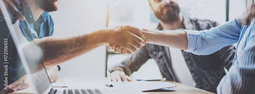 Fotografía  Business partnership handshake concept