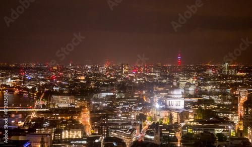 Foto op Aluminium Volle maan London office building skyscraper from top view