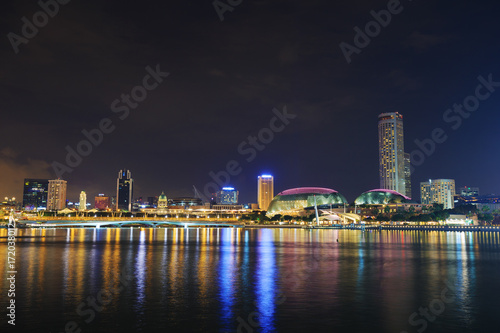 Photo  cityscape of Singapore city at night