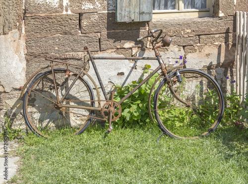 Foto op Plexiglas Fiets rundown bicycle
