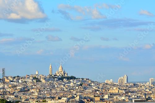 Obraz na dibondzie (fotoboard) Widok Montmartre przy zmierzchem, Paryż.