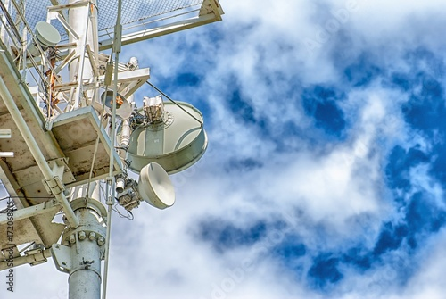 A Large Communications Tower on a Blue Sky фототапет