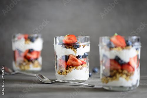 Plakat Jogurt z domowym granolem