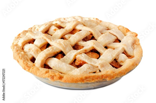 Photo Homemade apple pie with lattice pastry isolated on a white background, side view