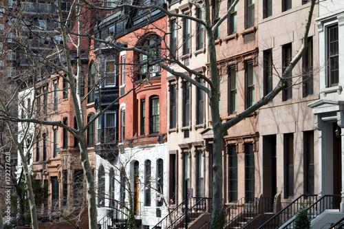 Obraz na dibondzie (fotoboard) Rząd historyczni budynki w Miasto Nowy Jork