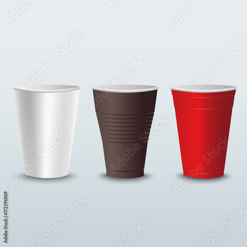 Valokuva  Plastic colored coffee tea cups template
