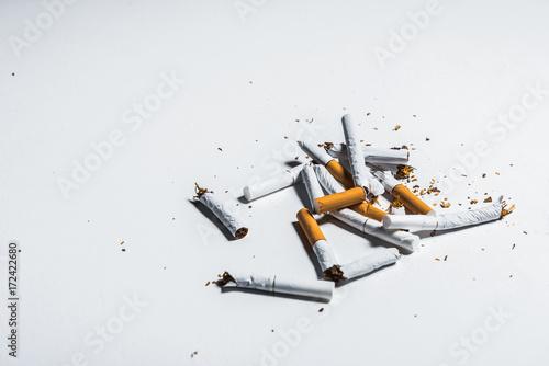 Fotografia, Obraz  Broken nicotine objects on table